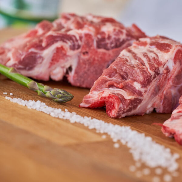 espinazo fresco de cerdo ecológico