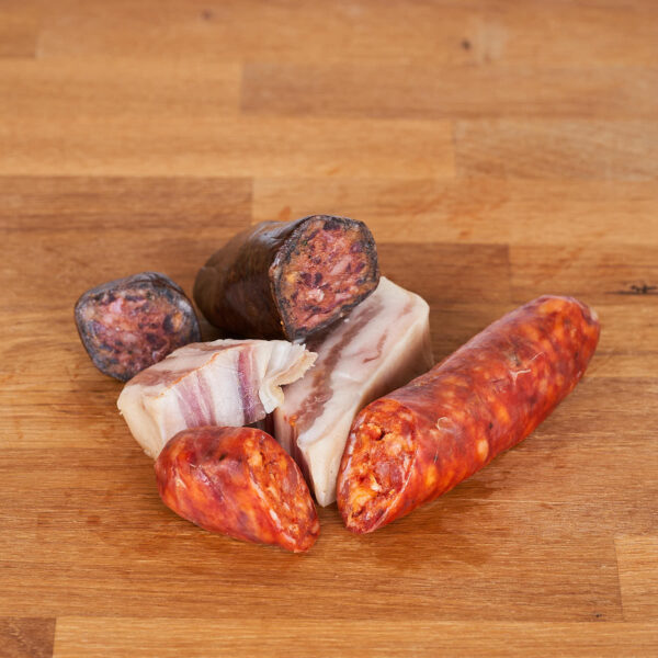 chorizo, morcilla y panceta elaborados con carne de cerdo ecológica